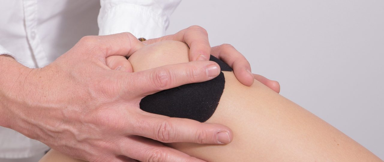 9 Top Tips for Treating Knee Pain at Home