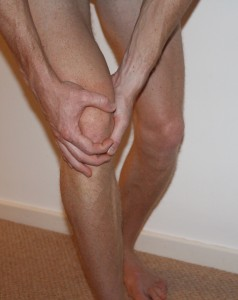 Treating Knee Pain at Home - 9 Top Tips